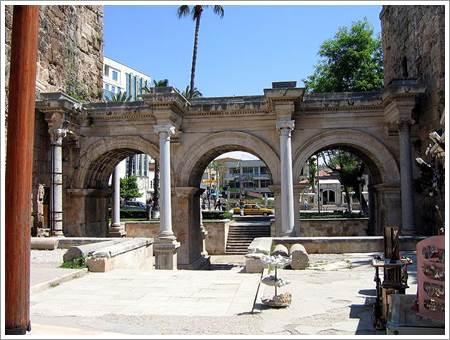Antalya üçkapılar