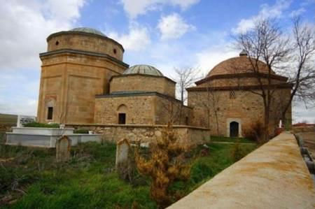Bitlis Şeyh Babo (Üryan Baba) Türbesi