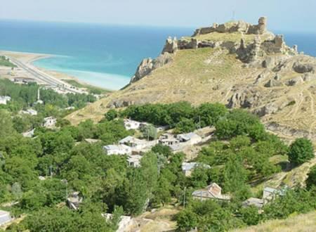 Bitlis Adilcevaz Sahil Kalesi