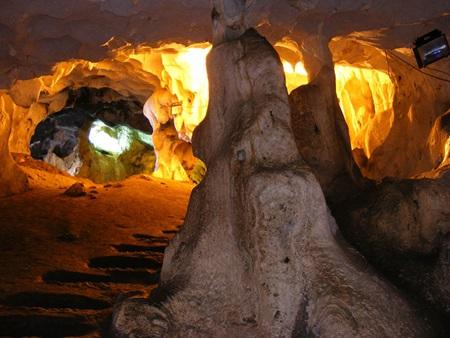 Antalya Doğal Güzellik - Karain Mağarası
