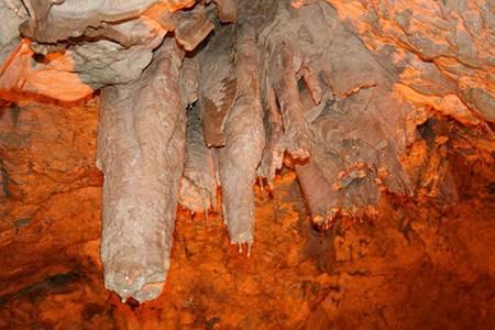 Sefer Yitiği Mağarası