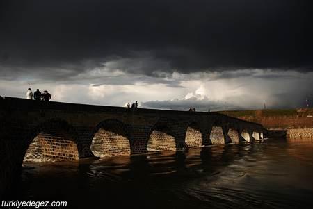 Murat Paşa Köprüsü