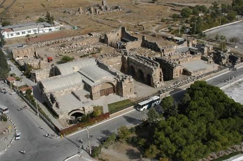 Denizli-Pamukkale-Hierapolis-Arkeoloji-M%C3%BCzesi.jpg